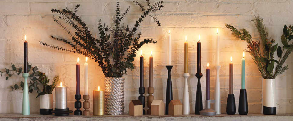 Unique-Holiday-Gift-Guide-Feature-Image---Candles-on-a-Mantle