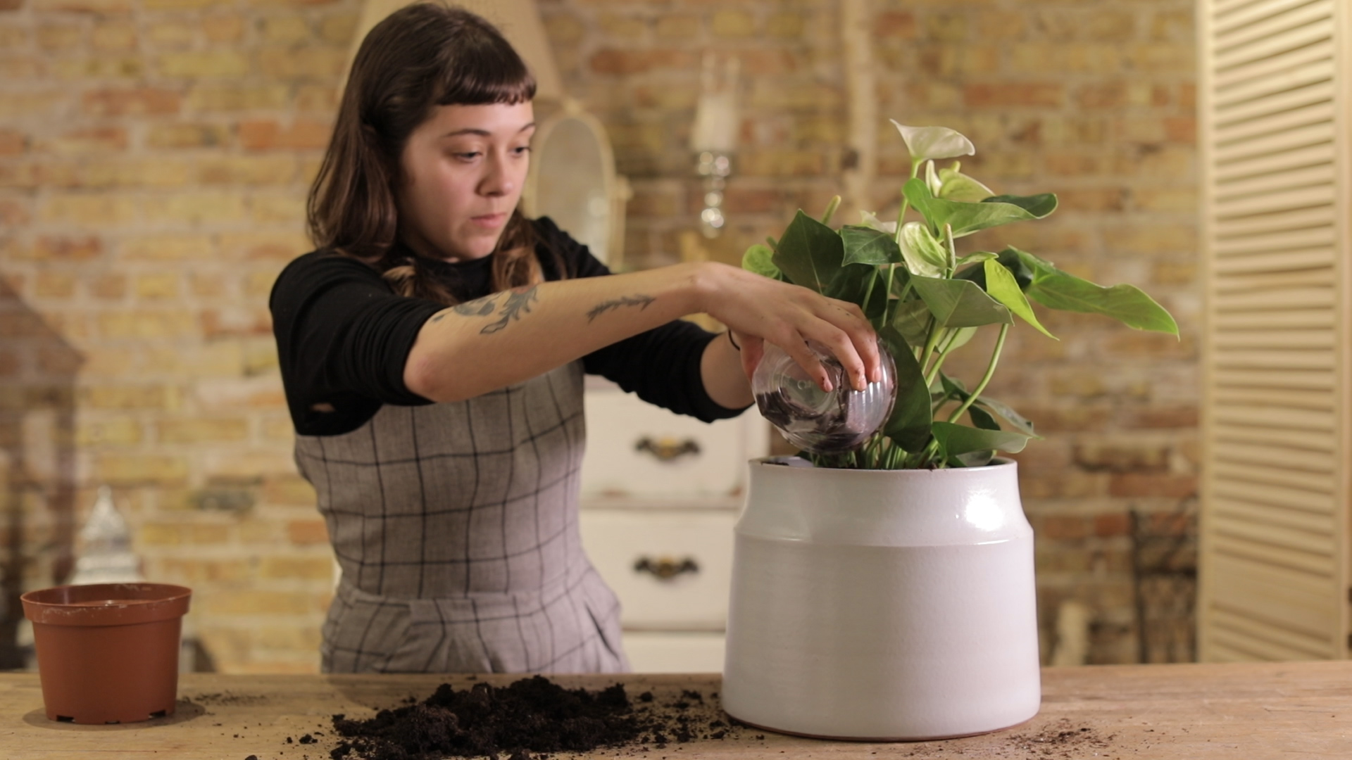Arc Large Planter_Video Still 3